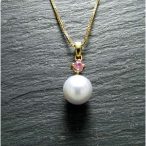 18ct Yellow Gold Pearl and Pink Sapphire Pendant