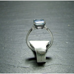 18ct White Gold Aquamarine and Diamond Dress Ring