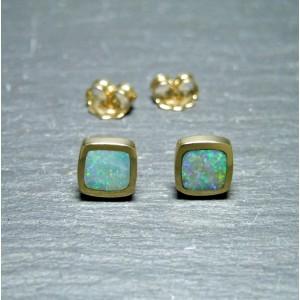18ct Yellow Gold Black Opal Stud Earrings