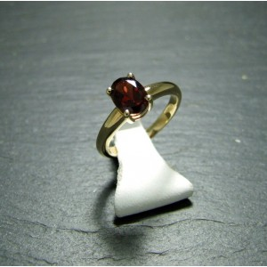 9ct Yellow Gold Garnet Dress Ring