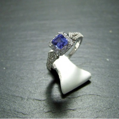 18ct  White Gold Tanzanite and Diamond Dress Ring